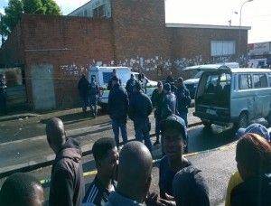 Three suspects were arrested following a robbery at Fischer's Jewellers in Greenacres Picture: Riaan Marais