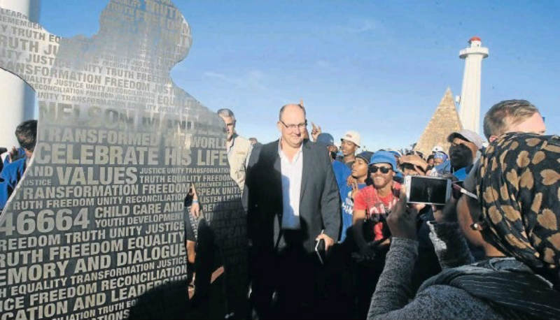 BIG MOMENT: Mayoral candidate Athol Trollip and his DA supporters celebrate at the Donkin Reserve after the party won the municipal elections in Nelson Mandela Bay. Picture: FREDLIN ADRIAAN