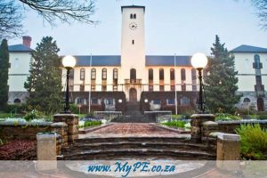 Rhodes Business School Bursaries offered for 2017 http://mype.co.za/new/rhodes-business-school-bursaries-offered-for-2017/79505/2016/11 …pic.twitter.com/8Jf1k3yCiW